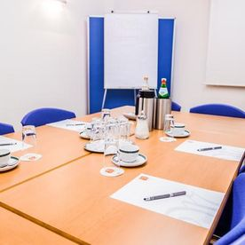 Our conference room has space for up to 14 participants - Hotel Martinihof