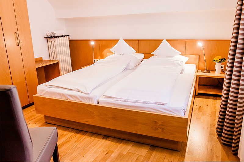 Double room with shared bathroom - Hotel Martinihof in Münster